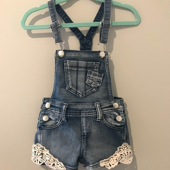 7cee8d9c533 Vintage Toddler Girl Denim Overalls With Lace. M 5b75bb373e0caa1a59450524